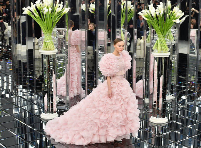 lily rose depp pink dress chanel melonkiss